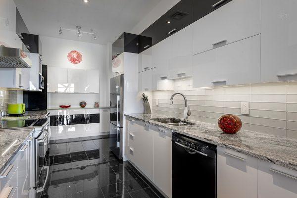 Cuisine moderne blanche armoire de cuisine laval montr al for Armoires de cuisine montreal