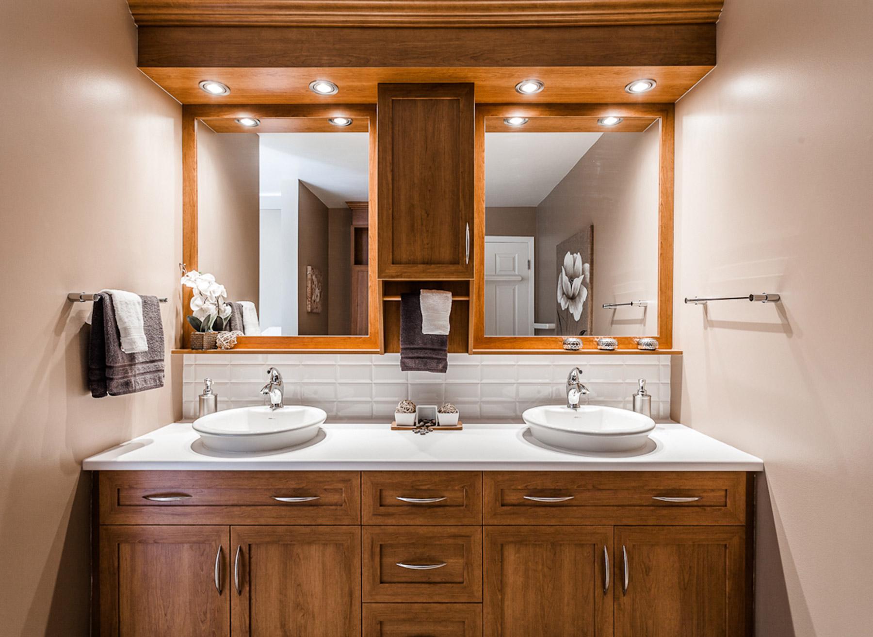 armoire de salle de bain et meuble lavabo contemporain armodec. Black Bedroom Furniture Sets. Home Design Ideas