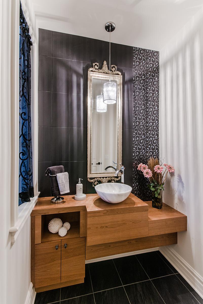 salle de bains classique et meuble lavabo en bois de cerisier. Black Bedroom Furniture Sets. Home Design Ideas