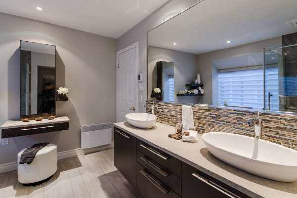 Armodec Bathroom Brightness and Lightness