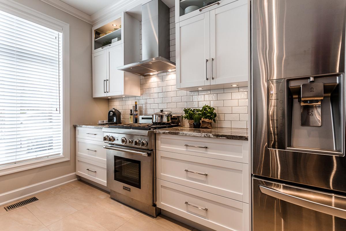 armoire de cuisine en polyester cuisine contemporaine laval. Black Bedroom Furniture Sets. Home Design Ideas