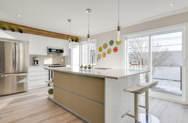 Sparkling and refined contemporary kitchen